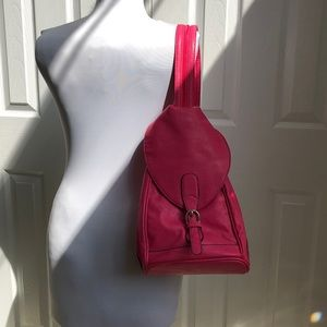 🌸free add-on🌸convertible sling/backpack